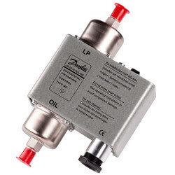 """MP 54 36"""" Capillary Tube Differential Pressure Control Product Image"""