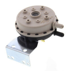 """Pressure Diff. Switch, 1.00"""" Setting, for HE, HE II Boilers (Sizes 3, 4, 5) Product Image"""
