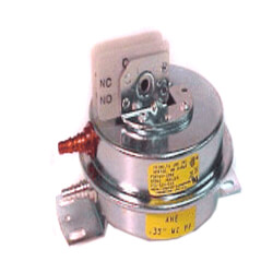 """Differential Pressure Switch, .35"""" W.C, for<br>AHE Boilers (Size 45) Product Image"""