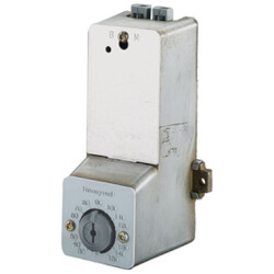 Pneumatic Airstream Insertion Thermostat<br>Dir. Act. throttle: 5° - 35°F Product Image