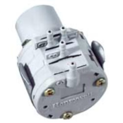 Pneumatic SPDT Relay (switching between 3-7 psi) Product Image